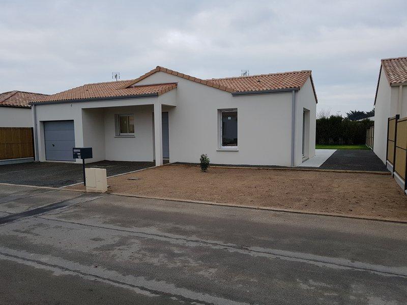 Maison louer challans vend e for Louer garage nantes